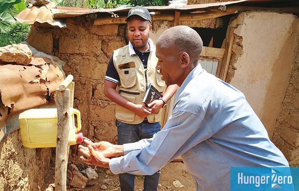 ルワンダ簡易手洗い器具.jpg